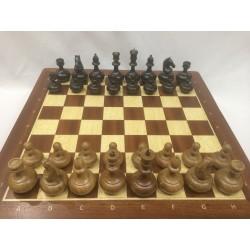 Шахматы дуб, доска махагон 40см
